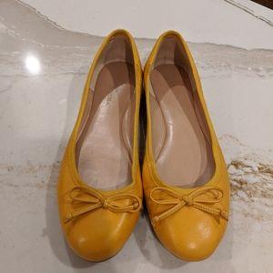 Banana Republic Ballet Flats